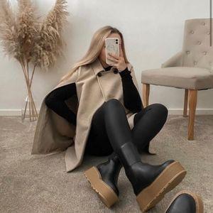 H&M NWOT Blogger Favorite Platform Chelsea Boots